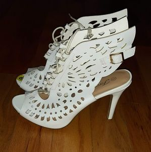 White Butterfly Shoes Size 9